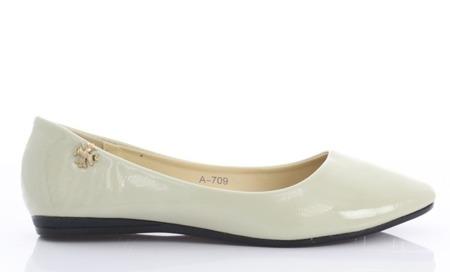 Beige lacquered Meganno ballerinas - shoes