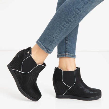 Black women's ankle boots with an animal embossing Taisa - Footwear