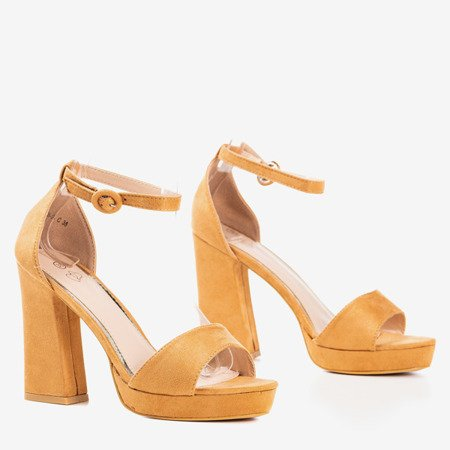 Light brown sandals on the higher Troelia post - Footwear 1