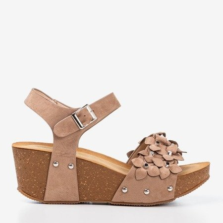 Light brown wedge sandals with decorative flowers Florestina - Footwear