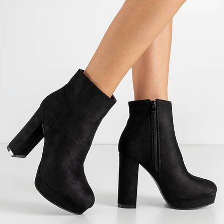 OUTLET Black women's boots on the Pilas post - Footwear