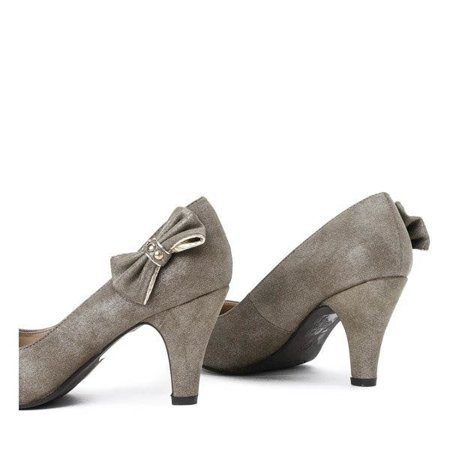 OUTLET Khaki pumps on a thick heel with a bow Riparia - Shoes