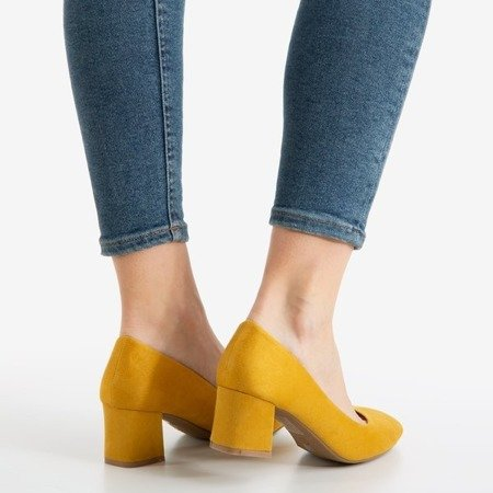 Yellow women's pumps on the low post Give Love - Footwear 1